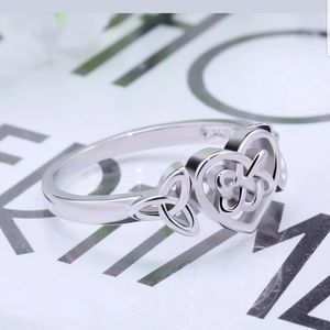 New beautiful heart shaped stamped S925 ring